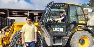 Praktikum bei der GESA: Schüler lernen den Holzenergiehof kennen